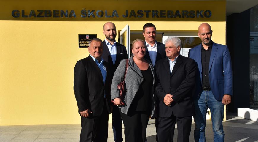 FOTO: Glazbena škola Jastrebarsko energetski obnovljena, najavljena obnova Doma zdravlja