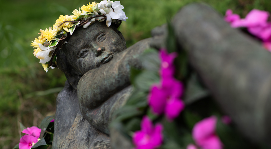 Zagrebačke skulpture osvanule u cvjetnom ruhu