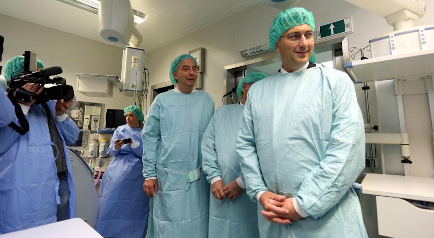 U Nacionalnom centru za robotsku kirurgiju KBC-a Zagreb predstavljen robotski sustav