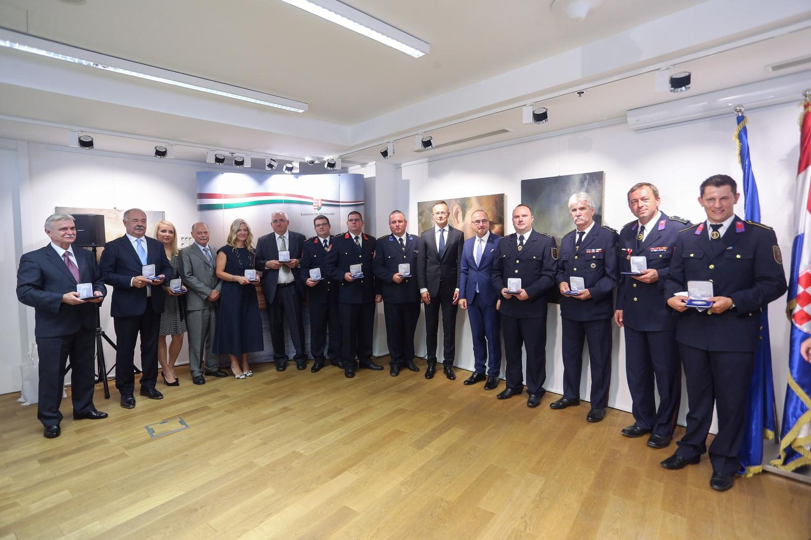 Uručene plakete zelinskim vatrogascima i liječnicima – Mađari zahvalili za hrabrost i stručnost kod Svete Helene