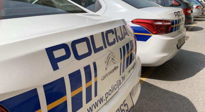 U nesreći u Velikoj Mlaki teže ozlijeđen motociklist, policija traži svjedoke