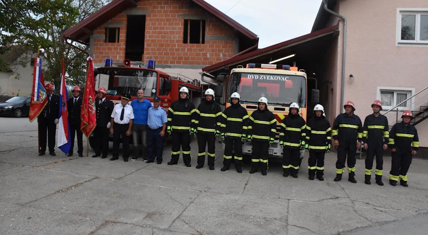 FOTO: Vatrogasna Zajednica Općine Dubrava opremljena novim vozilom