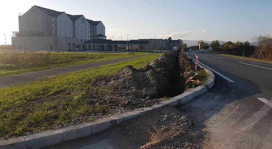 Nogostup na potezu nadvožnjak – Hotel Princess dobiva javnu rasvjetu