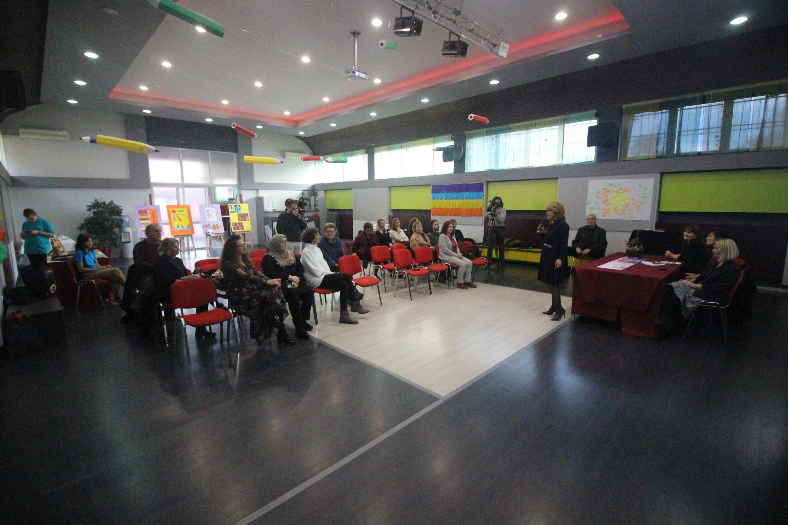 FOTO: U Osnovnoj školi Matije Gupca predstavljeni rezultati projekta In Medias ReStart