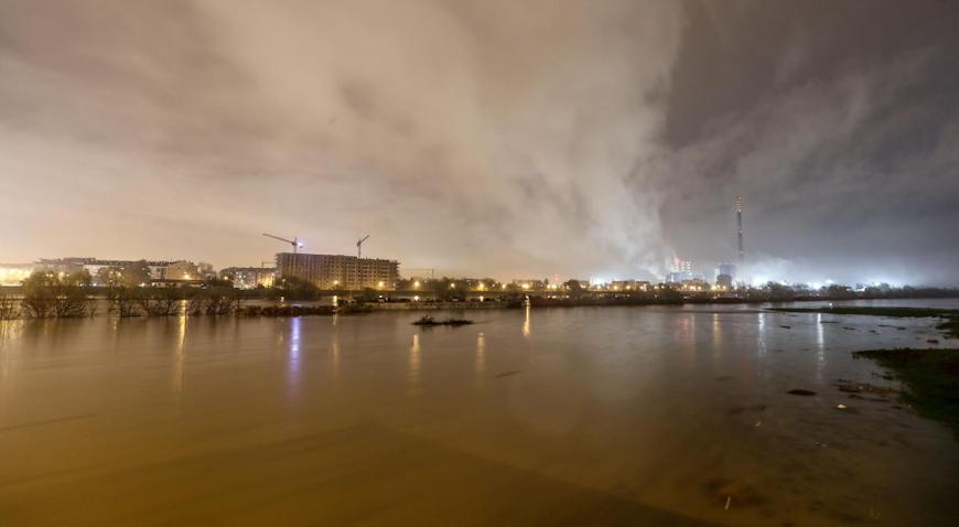 FOTO: Rijeka Sava izlila se iz svog korita