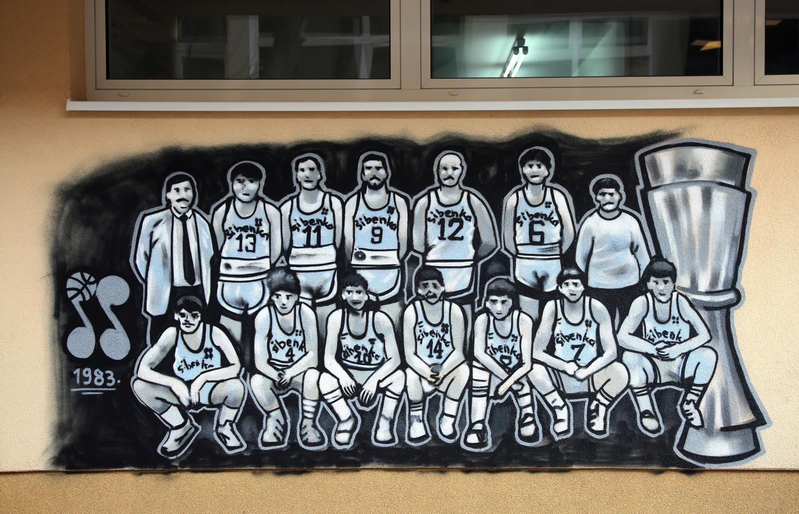 VIDEO: Šibenski funcuti novi grafit posvetili Draženu Petroviću i pobjedničkoj ekipi Šibenke