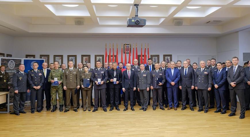 Josip Briški posthumno odlikovan Zlatnom domovinskom medaljom