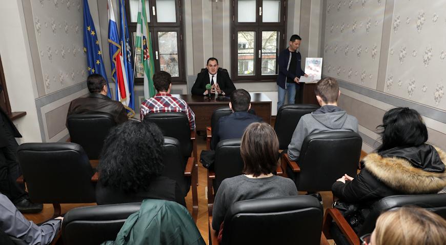 Potpisani ugovori s ivanićkim stipendistima – Za tu svrhu osigurano 225 tisuća kuna