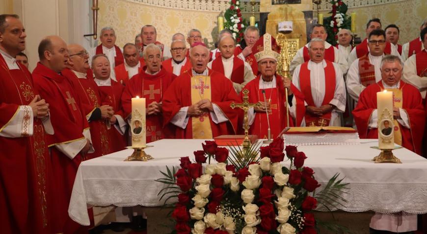Biskup Ratko Perić služio misu u Krašiću na 60. obljetnicu smrti blaženog Alojzija Stepinca