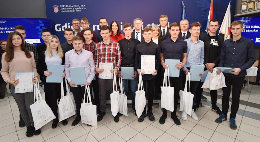 Potpisani ugovori o stipendiranju 186 učenika međimurskih škola
