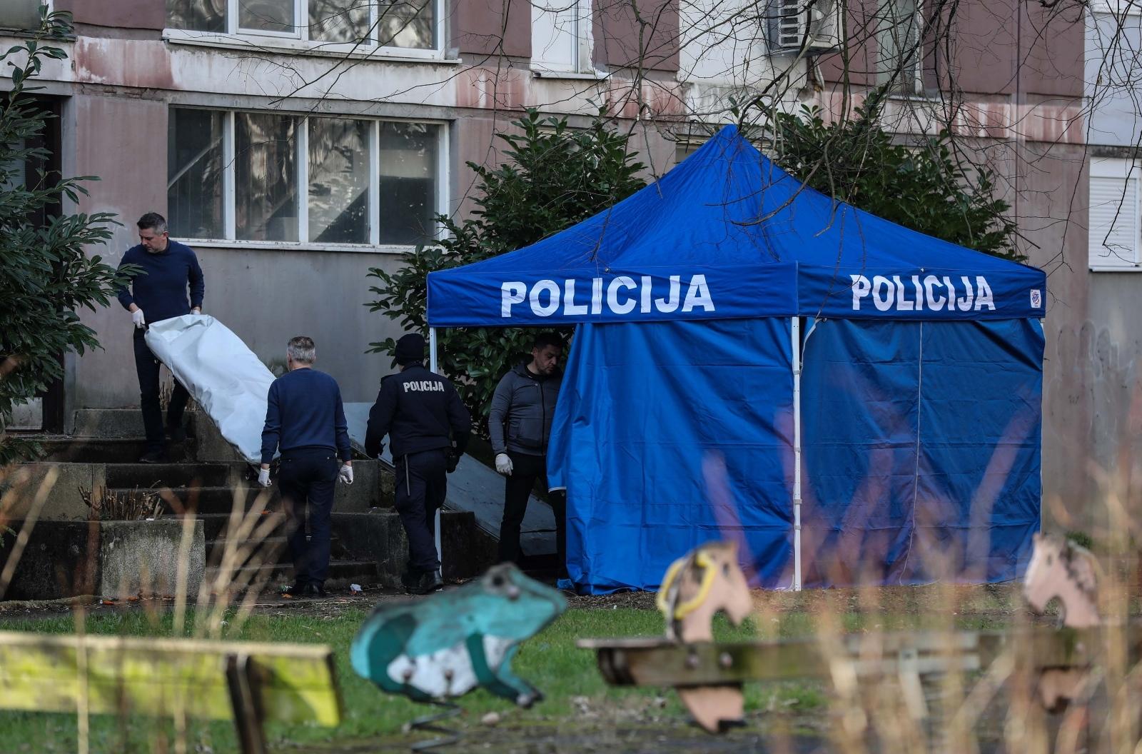 STRAVA NA SOPOTU – Na stubištu zgrade pronađeno beživotno tijelo zamotano u tepih