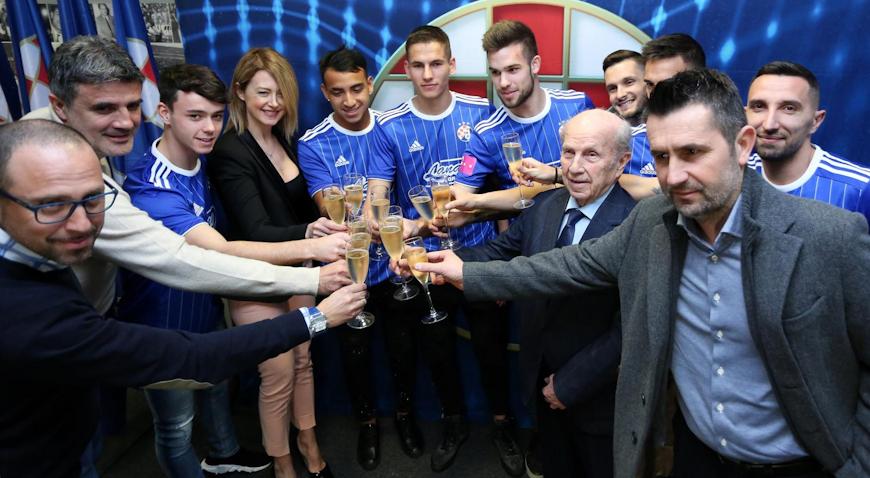 Dinamo predstavio pojačanja, Mamić najavio još jedno iznenađenje