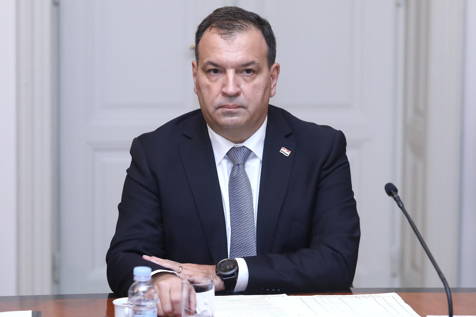 Ministar Beroš o prvoj žrtvi korona virusa u Europi