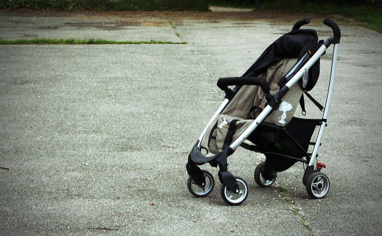 Policija poziva svjedoke – traži se vozač koji je na pješačkom prijelazu udario u dječja kolica